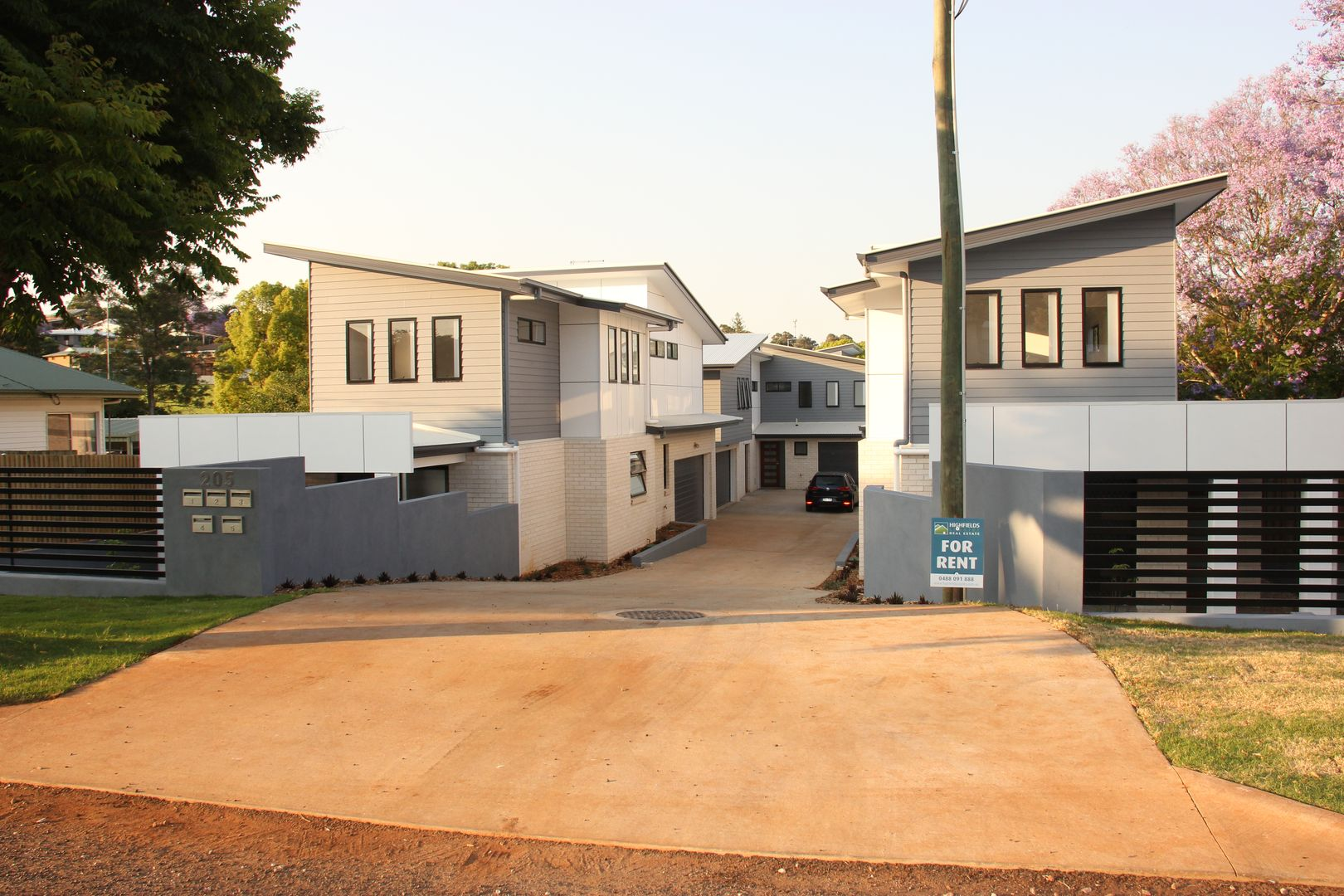 1/205 Jellicoe Street, Newtown QLD 4350, Image 0