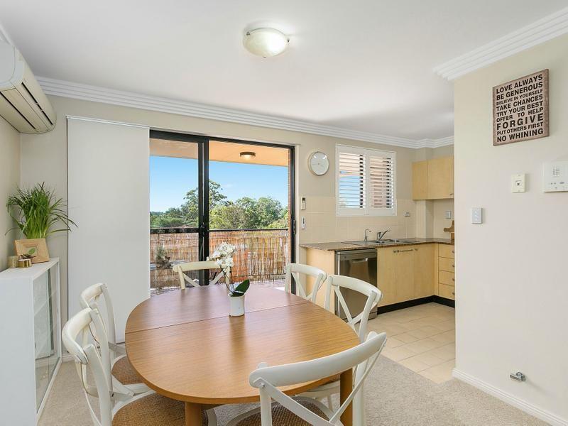 19/49 Dobson Crescent, Baulkham Hills NSW 2153, Image 2
