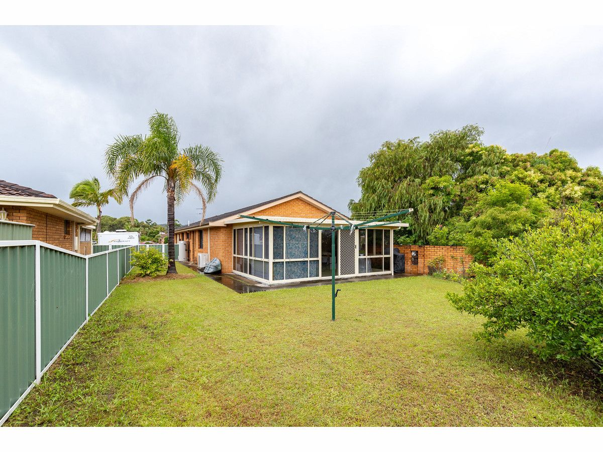 23 Victor Avenue, Forster NSW 2428, Image 2