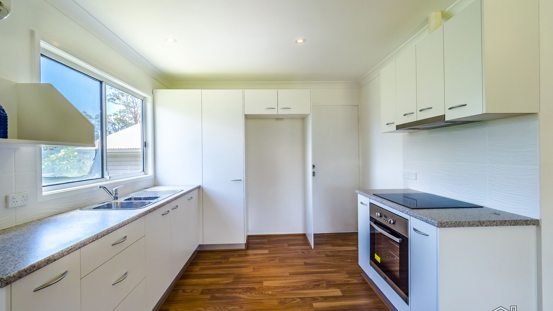 12 Kevin Street, Mannering Park NSW 2259, Image 2