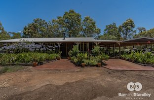 Picture of 18 Reef Place, Leschenault WA 6233