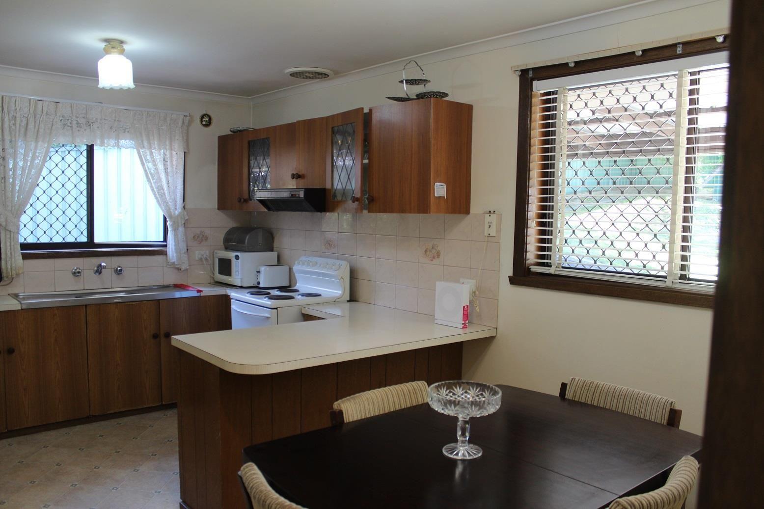 322 Schubach Street, East Albury NSW 2640, Image 2