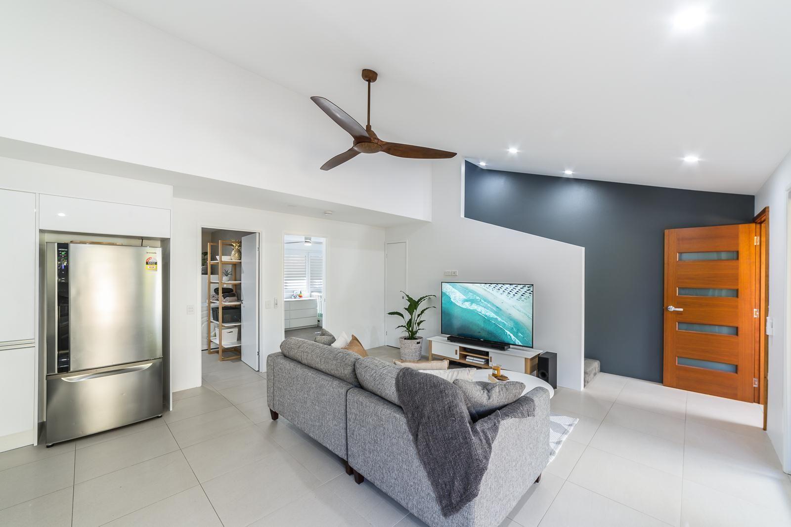 16/30 Sportsman Avenue, Mermaid Beach QLD 4218, Image 2