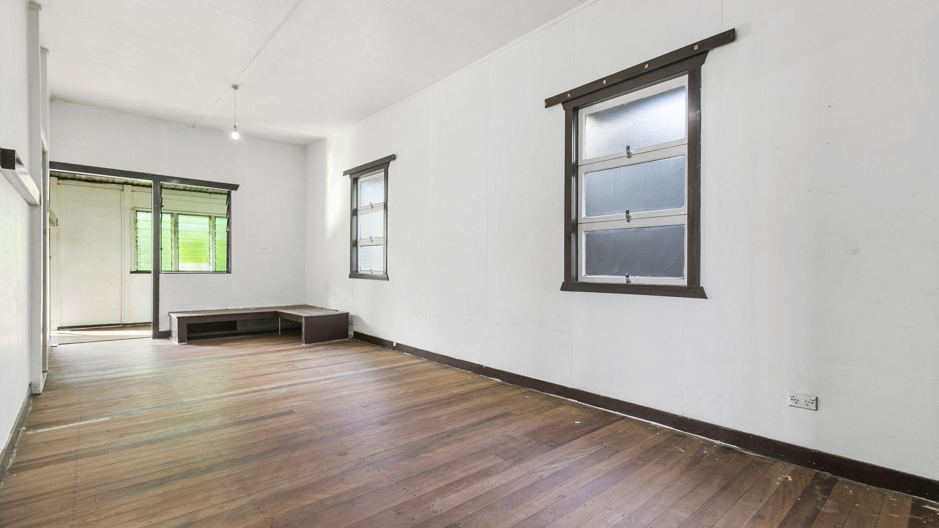 11 Harrogate Street, Woolloongabba QLD 4102, Image 1