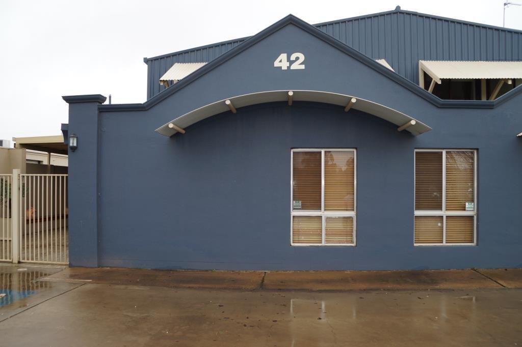 1/42-44 Mountbatten Drive, Dubbo NSW 2830, Image 0