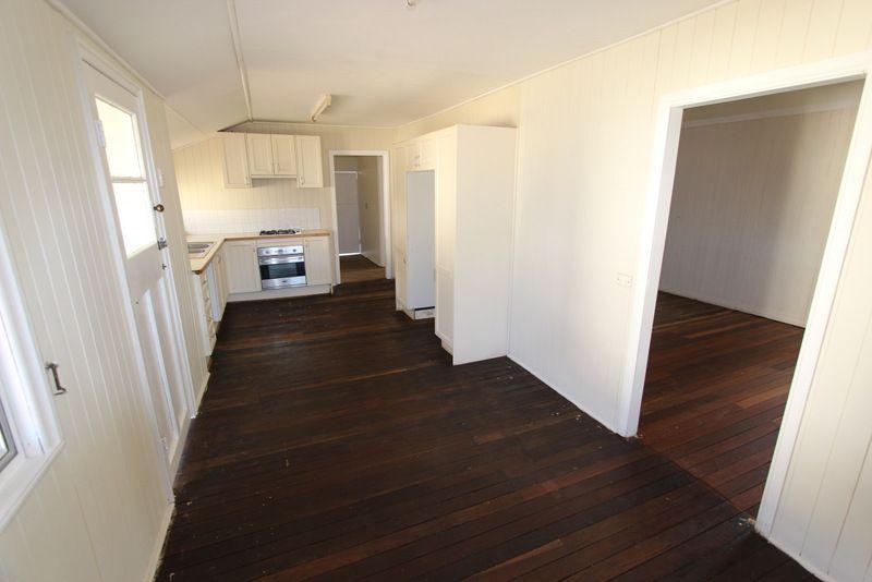 17-19 King Street, Charleville QLD 4470, Image 2