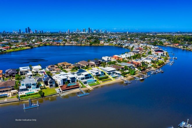 Picture of 95 Sir Bruce Small Boulevard, BENOWA WATERS QLD 4217