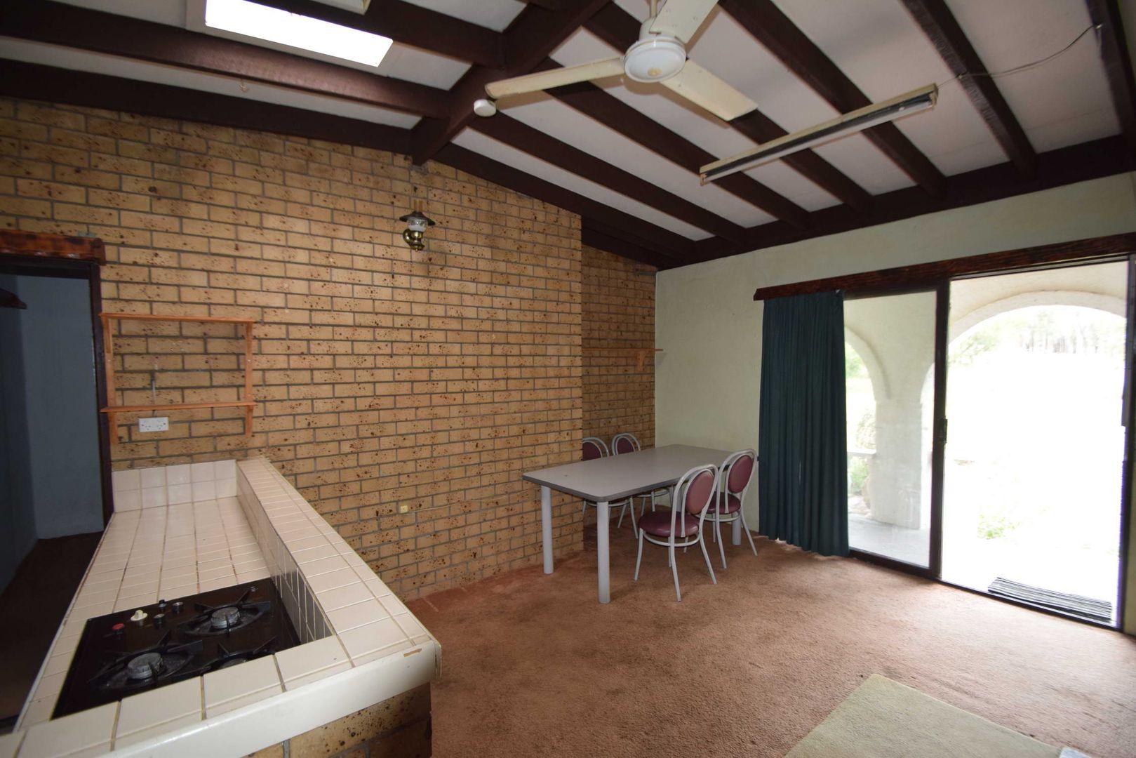 91 Pine Crescent, Esk QLD 4312, Image 2