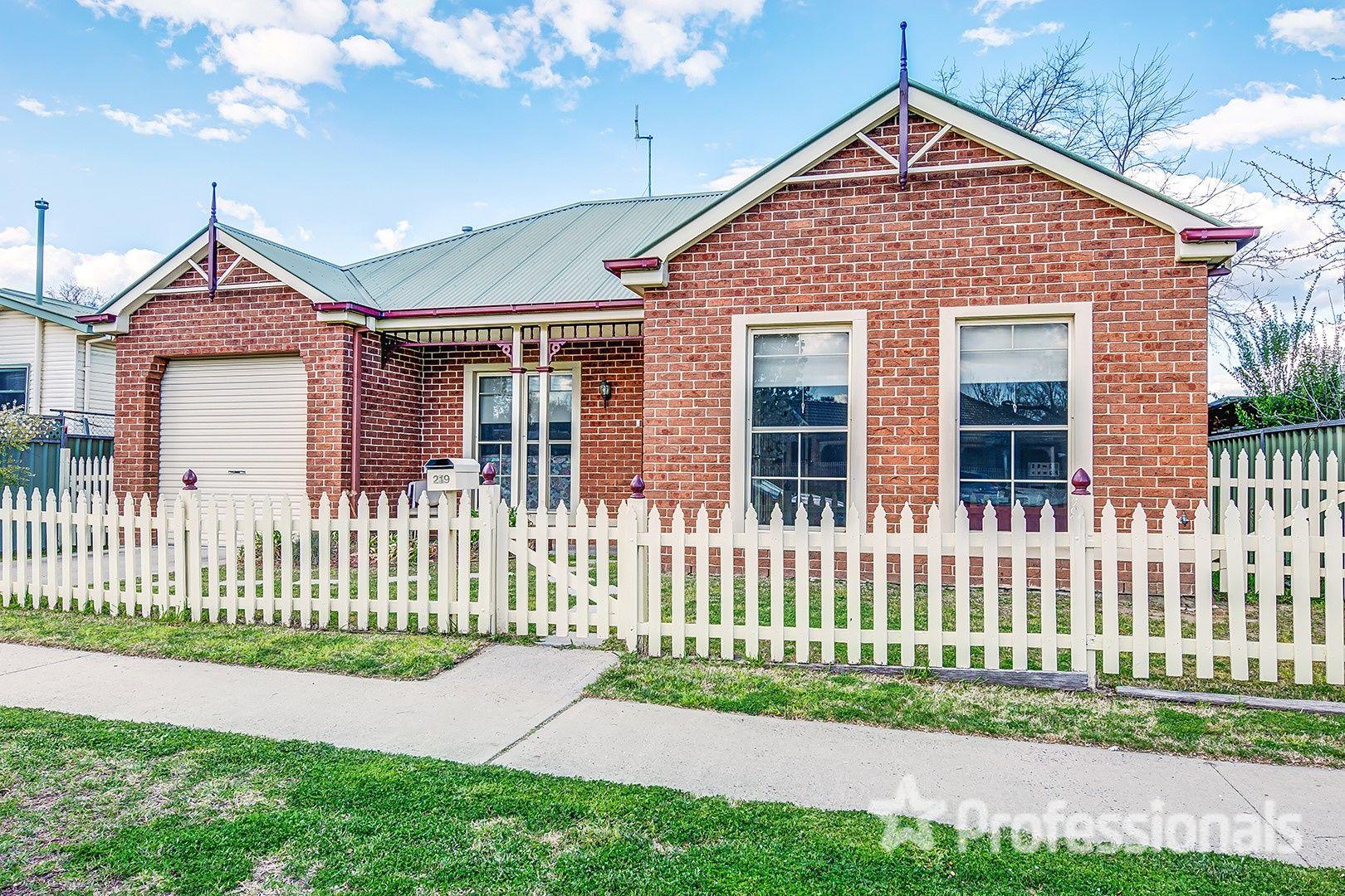 219 Rocket Street, Bathurst NSW 2795, Image 0