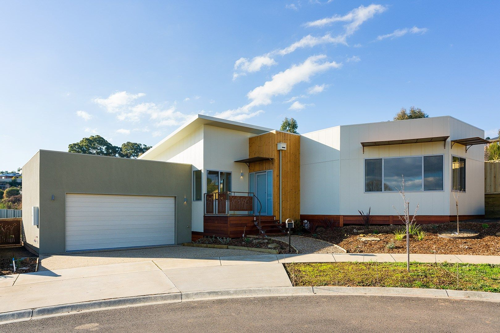 4 Roalies Place, Campbells Creek VIC 3451, Image 0