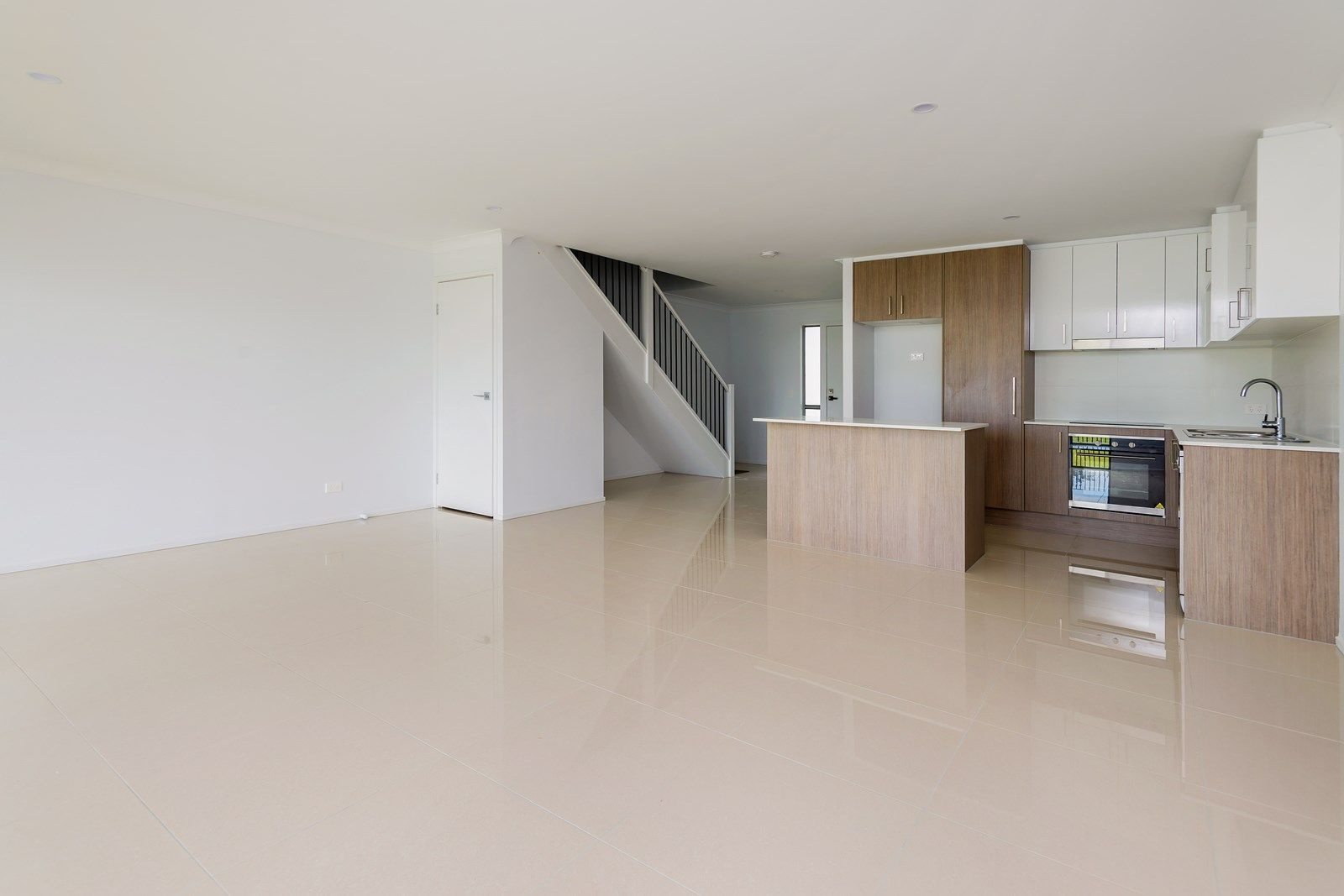 4/16 Bottle Brush Court, Coomera QLD 4209, Image 2