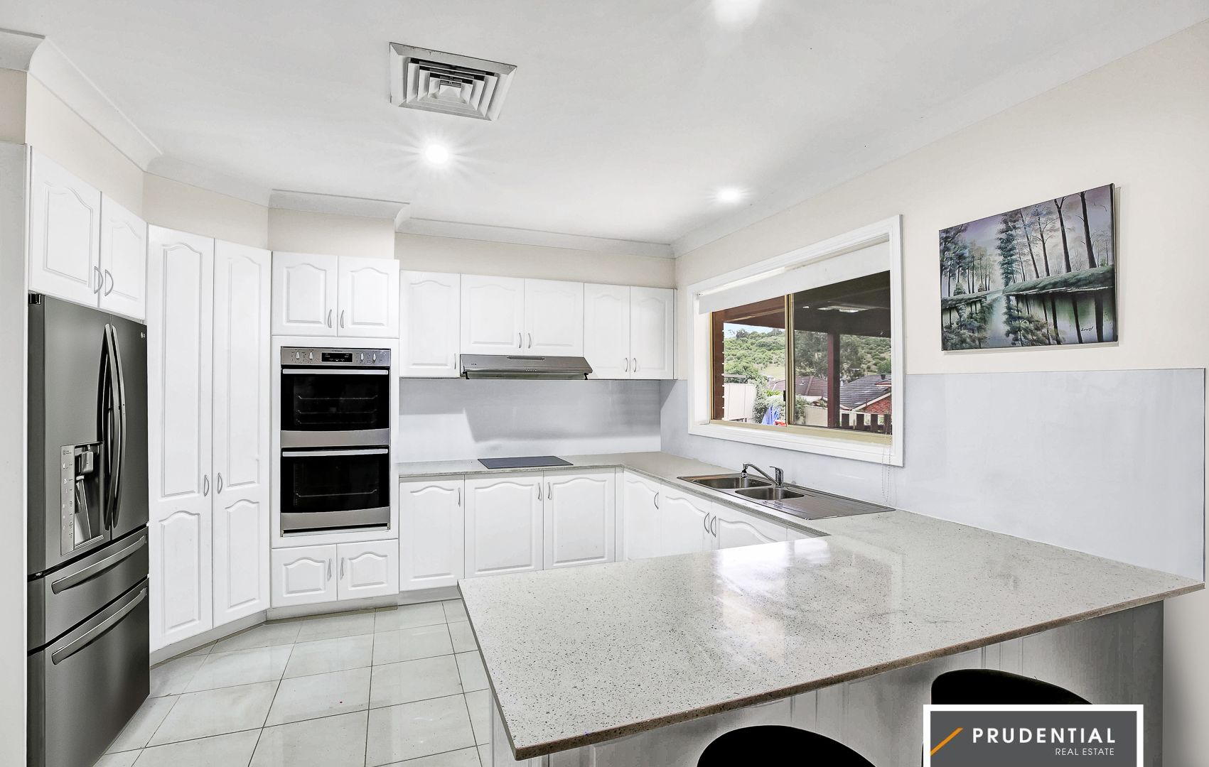 8 Severn Place, Kearns NSW 2558, Image 2