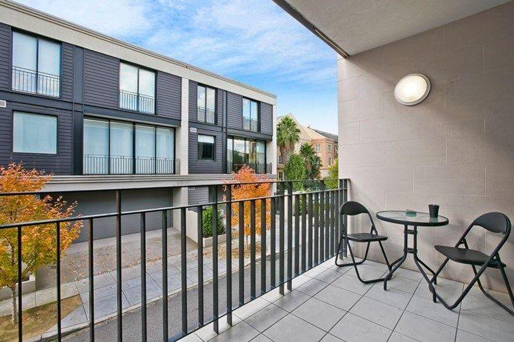 104/33 Cliveden Close, East Melbourne VIC 3002, Image 2
