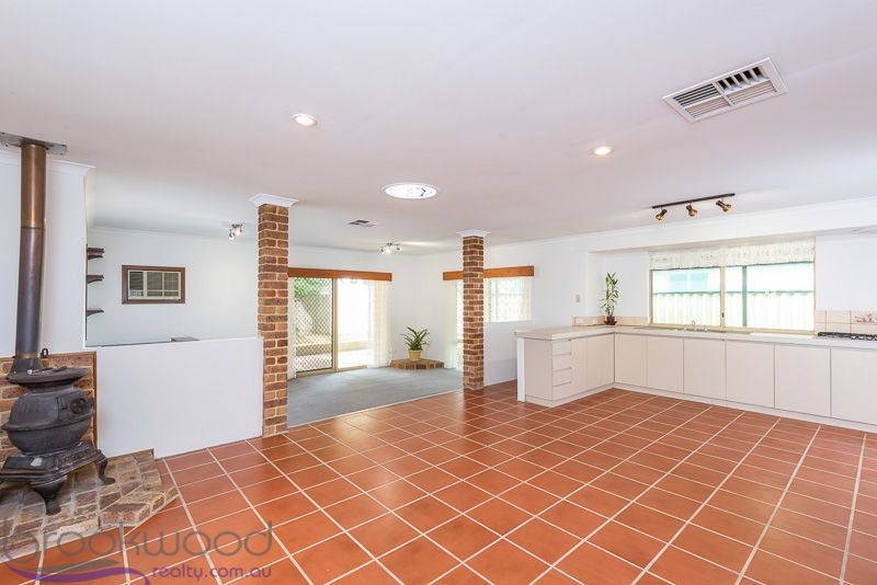 10 Opperman Place, Middle Swan WA 6056, Image 1