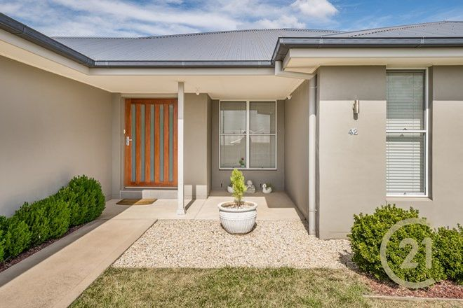 Picture of 42 Westbourne Drive, LLANARTH NSW 2795