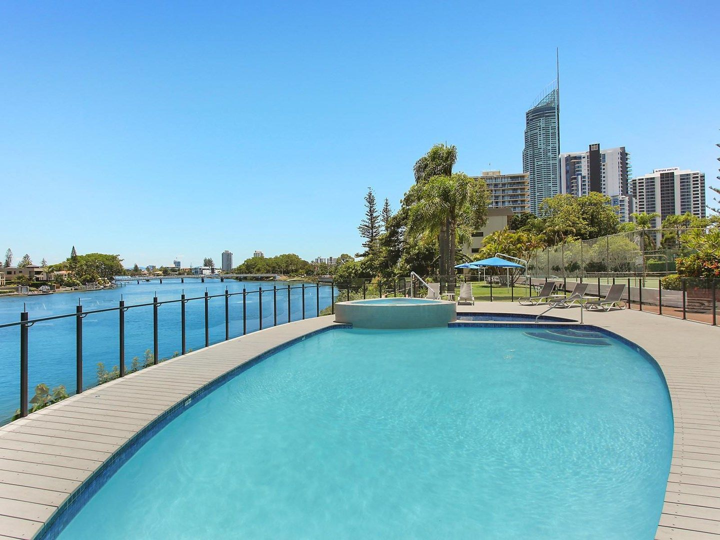 77/2940 Gold Coast Highway, Broadbeach QLD 4218, Image 0