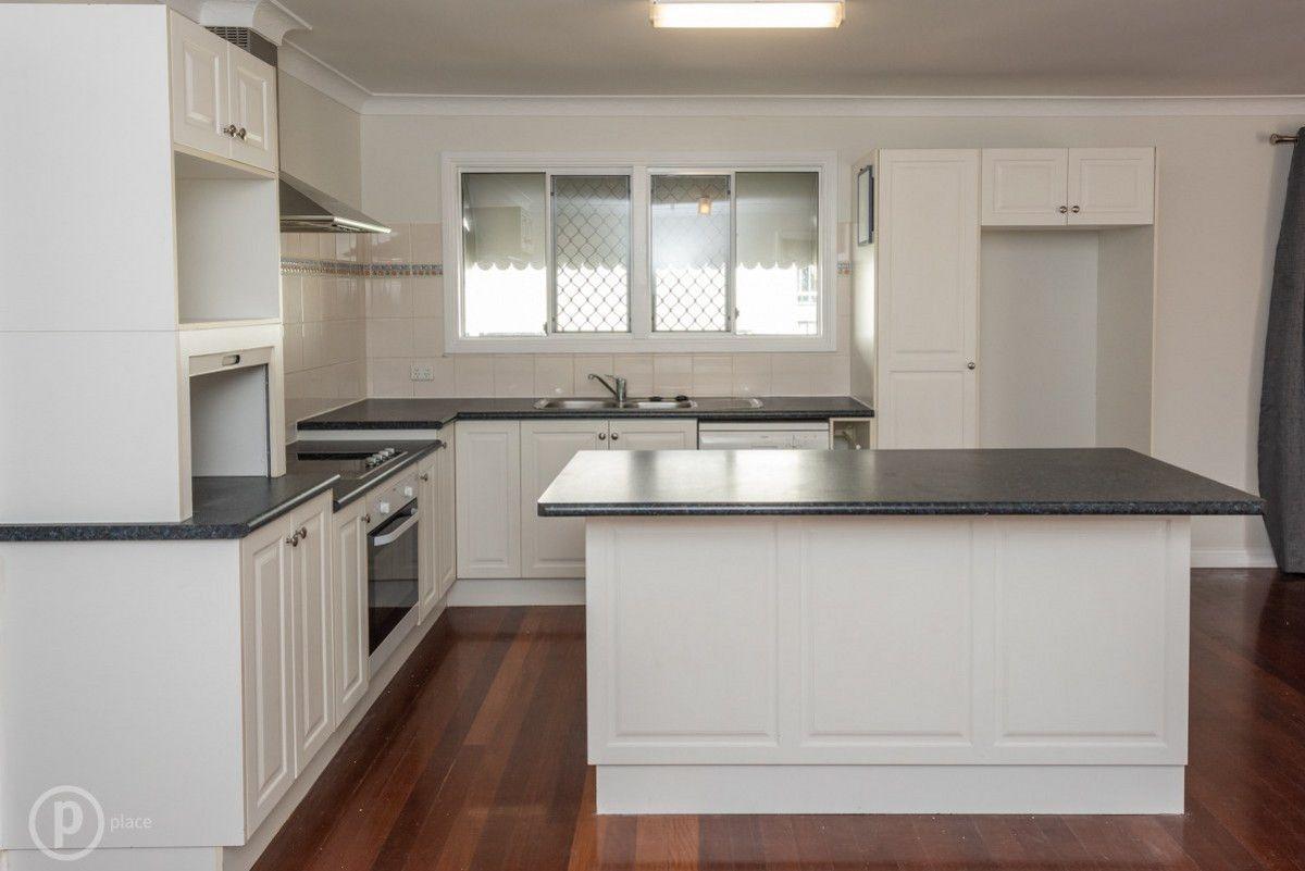 34 Kogarah Street, Tarragindi QLD 4121, Image 2