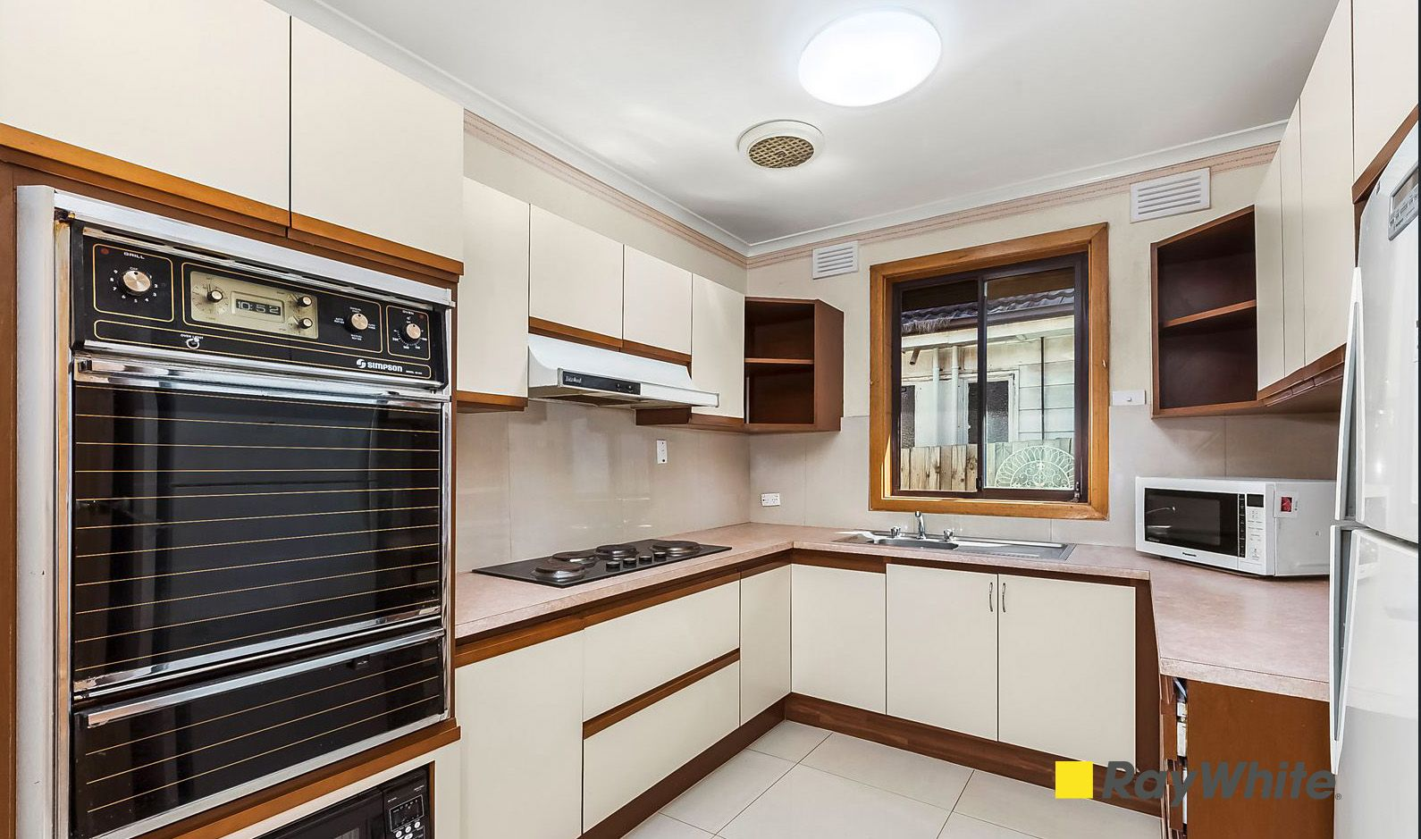 37 Riley Street, Oakleigh South VIC 3167, Image 2