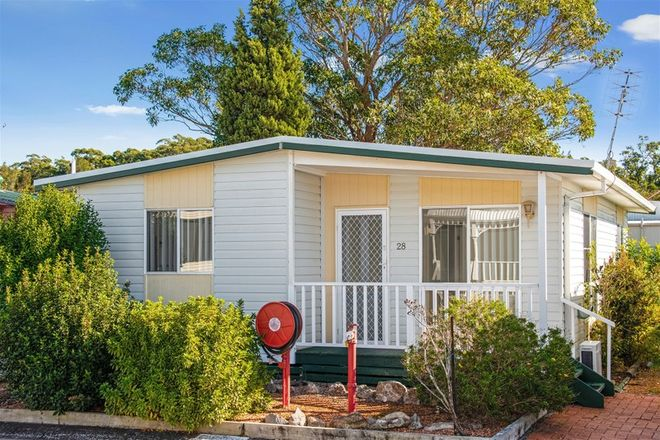 Picture of 28 First Avenue, GREEN POINT NSW 2251