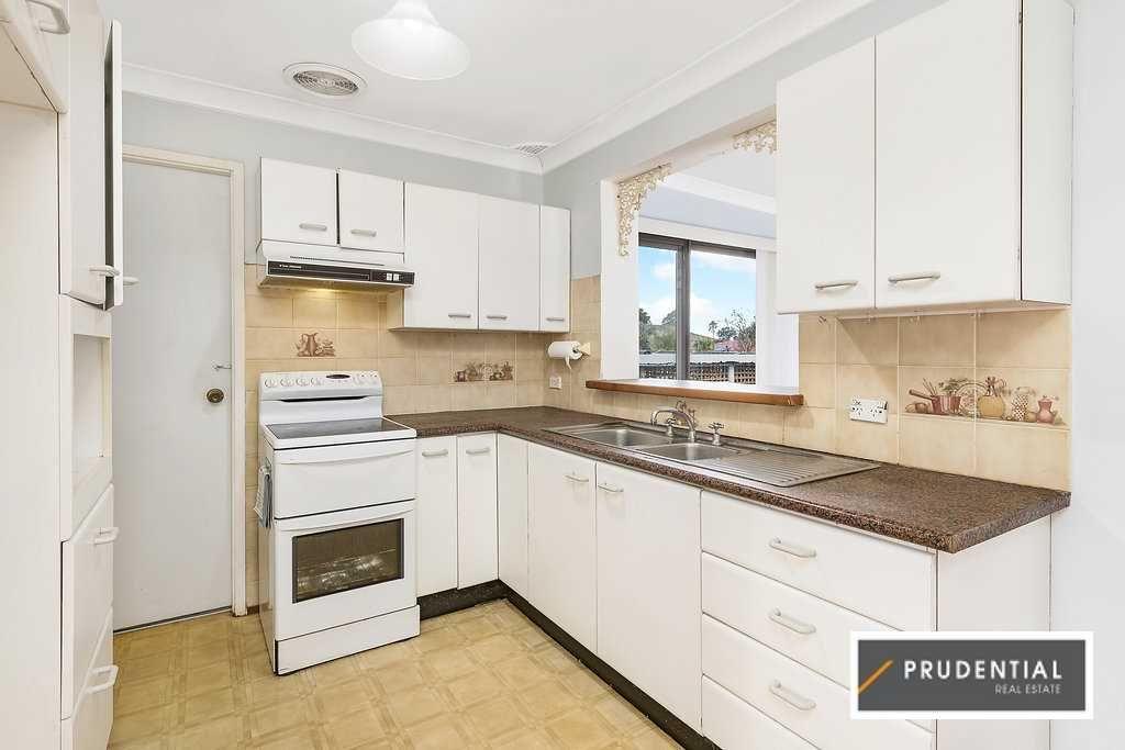 32 Cabernet Avenue, Eschol Park NSW 2558, Image 2
