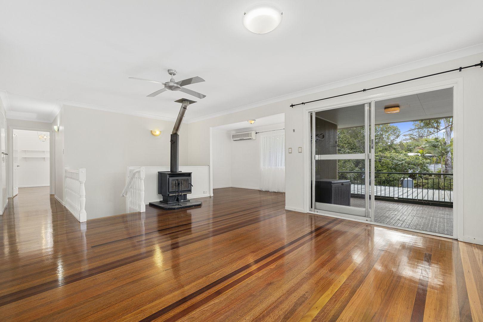 12 Woodside Street, The Gap QLD 4061, Image 2