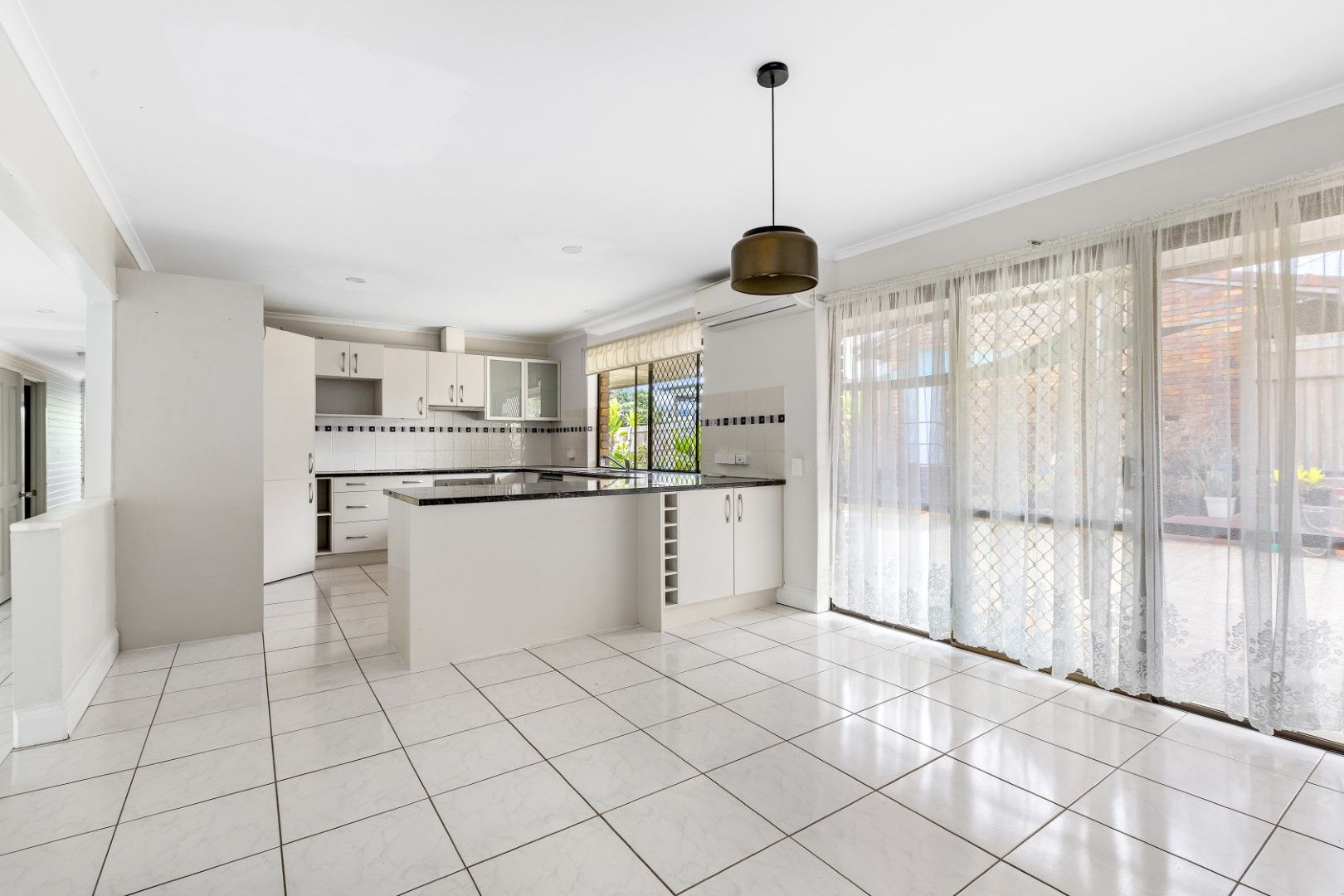 109 Reuben Street, Holland Park QLD 4121, Image 2