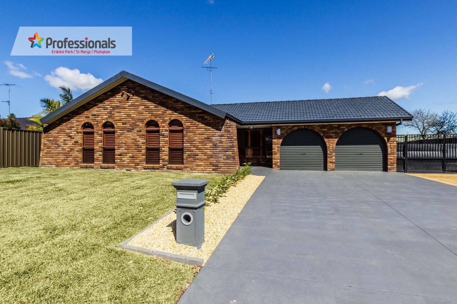 14 Tallwood Place, St Clair NSW 2759, Image 0