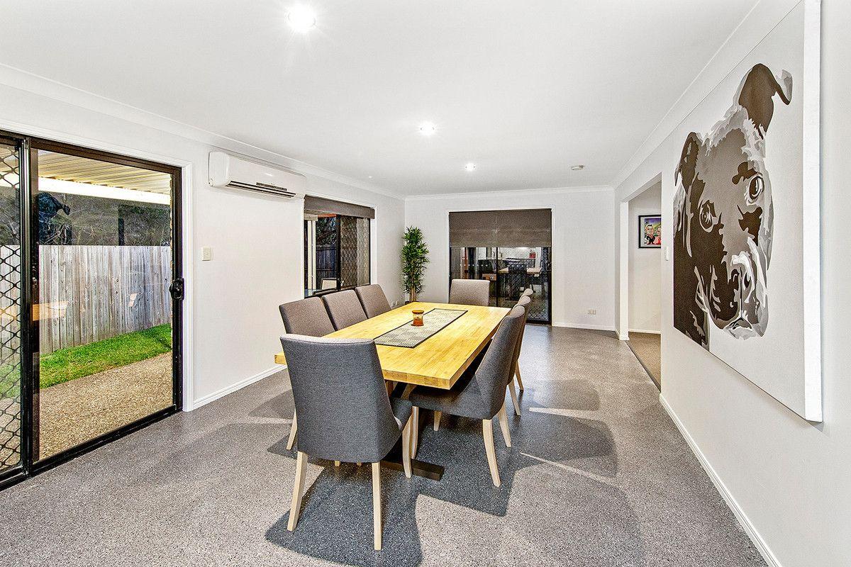 32 Reynolds Street, Carindale QLD 4152, Image 2
