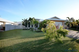Picture of 17 Hillock Crescent, Bushland Beach QLD 4818