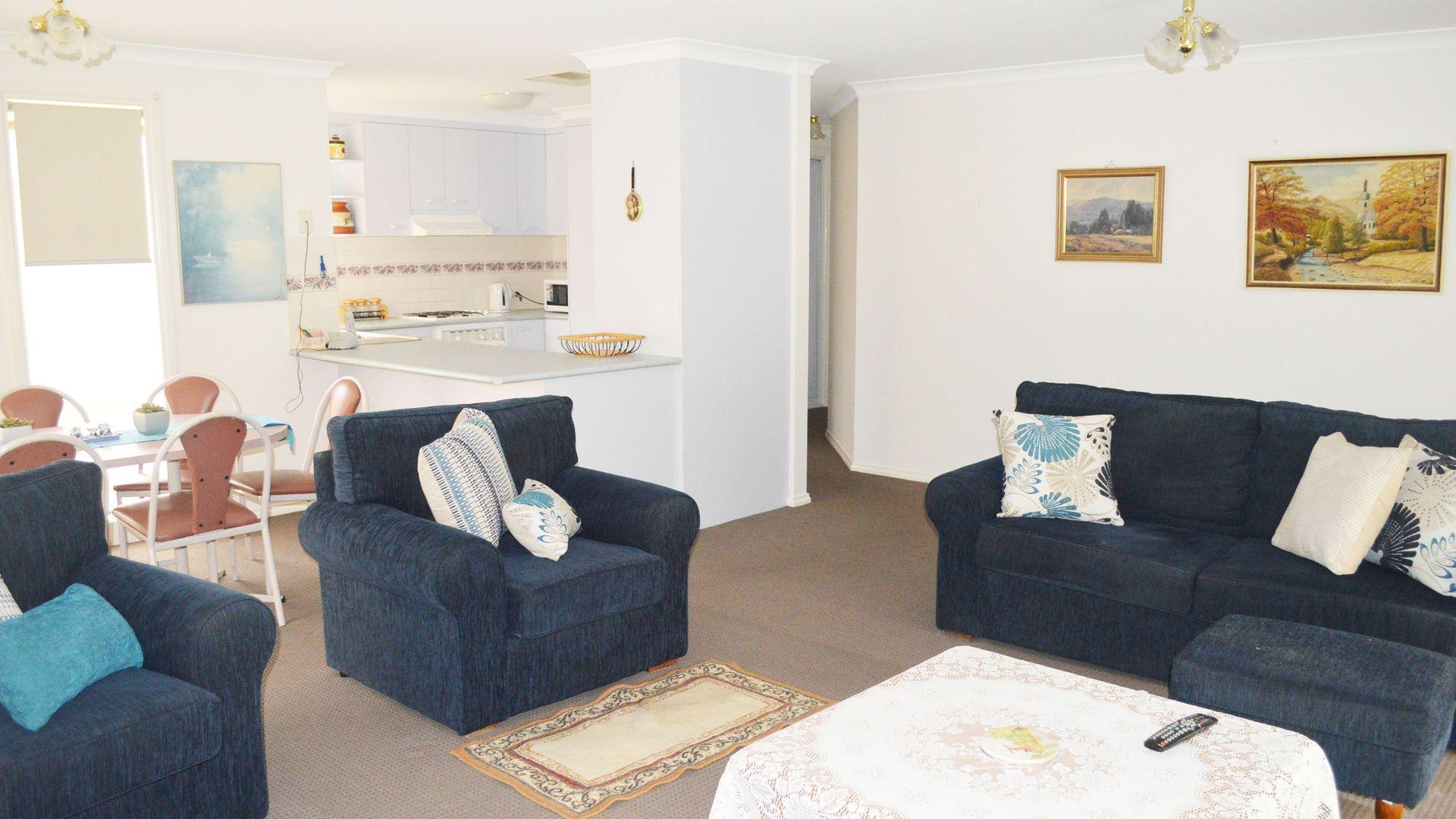 3/558 Webb Street, Lavington NSW 2641, Image 1