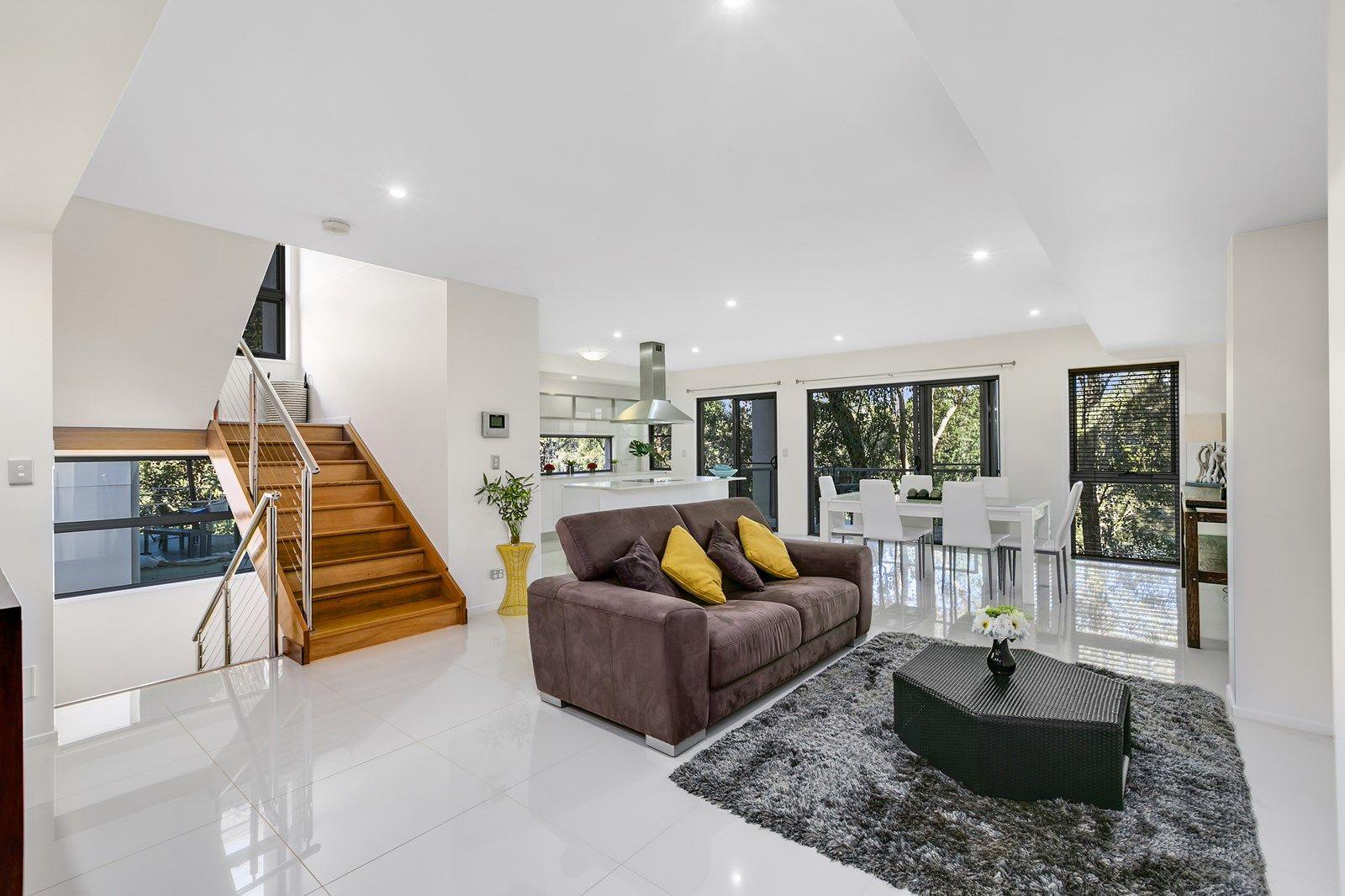 11 Tashey Court, Bundall QLD 4217, Image 2