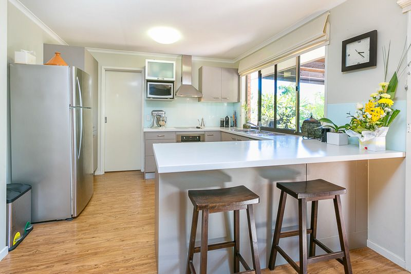 10 Radcliffe Street, Sinnamon Park QLD 4073, Image 2