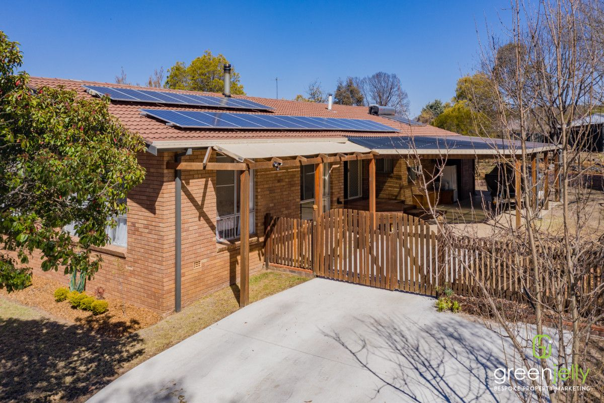 12 Freeman Crescent, Armidale NSW 2350, Image 0