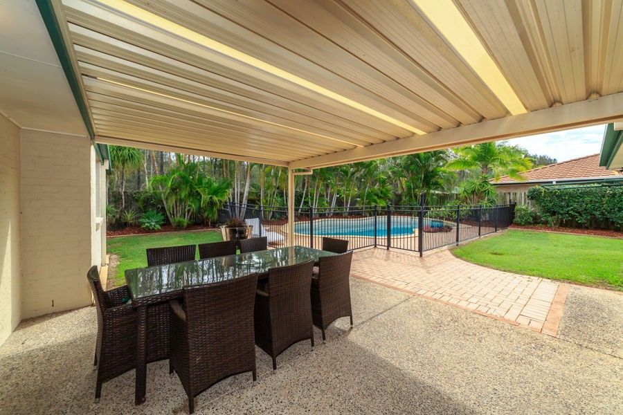 8 Rosswood Court, Helensvale QLD 4212, Image 2