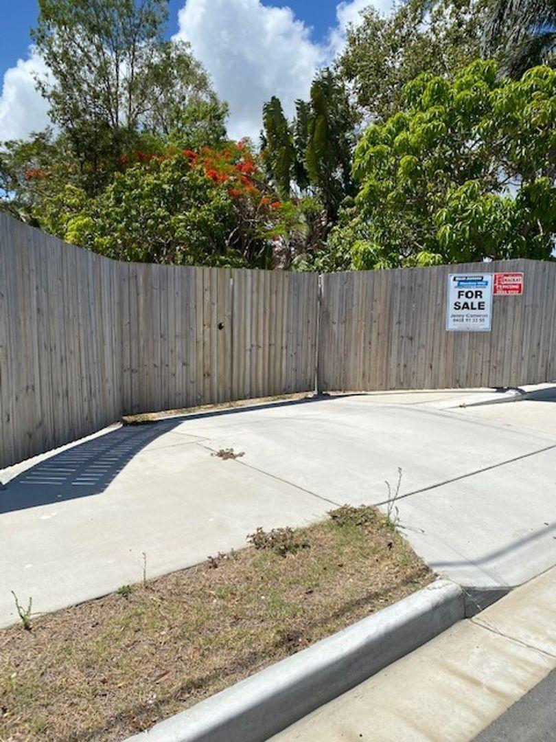 7 Sarina Beach Road, Sarina Beach QLD 4737, Image 0
