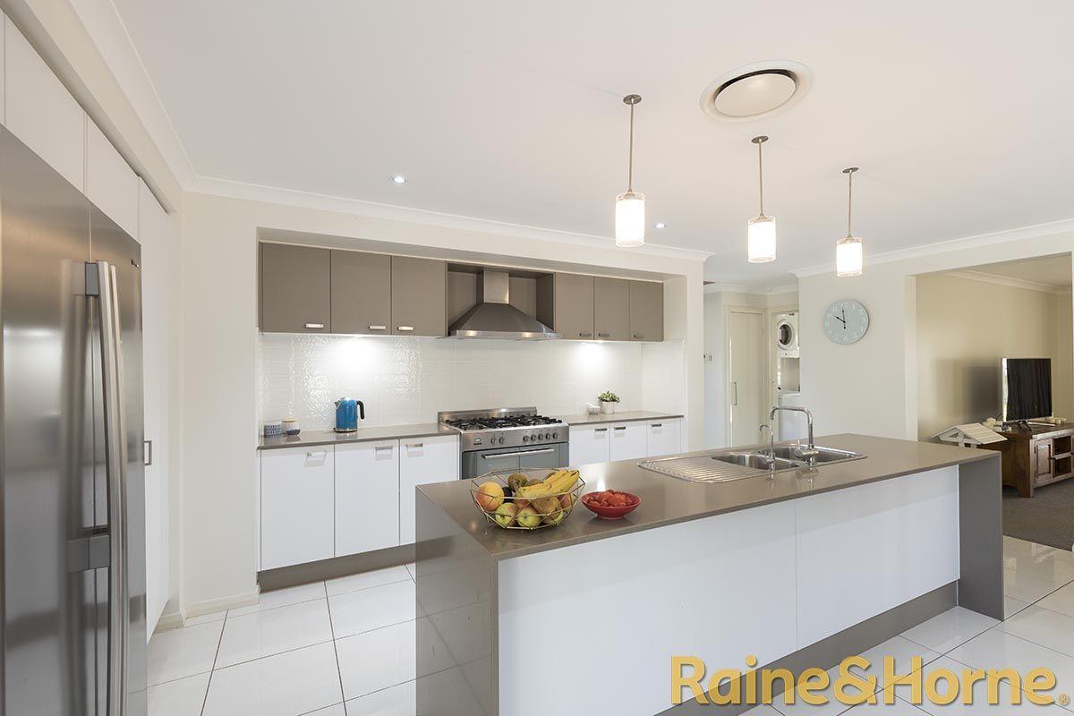 3 Glenabbey Drive, Dubbo NSW 2830, Image 2