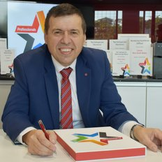 Petar Toth, Sales representative