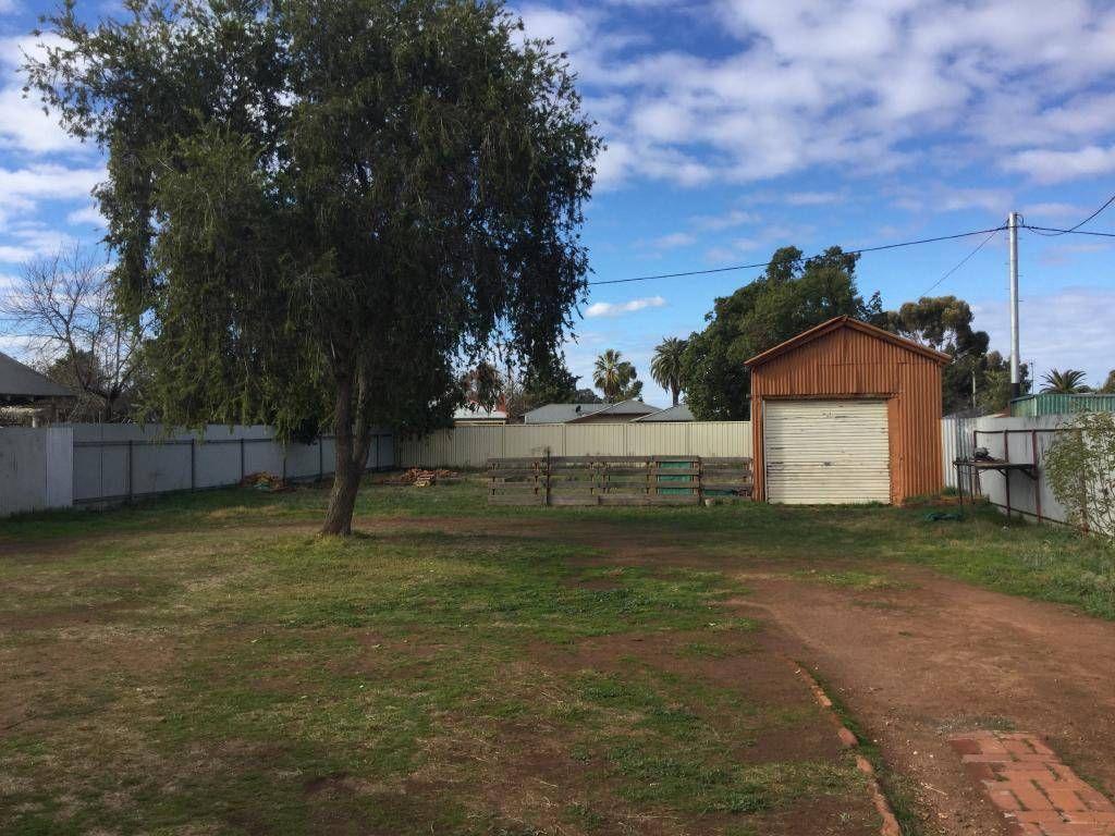 9 Currawang Avenue, Leeton NSW 2705, Image 2