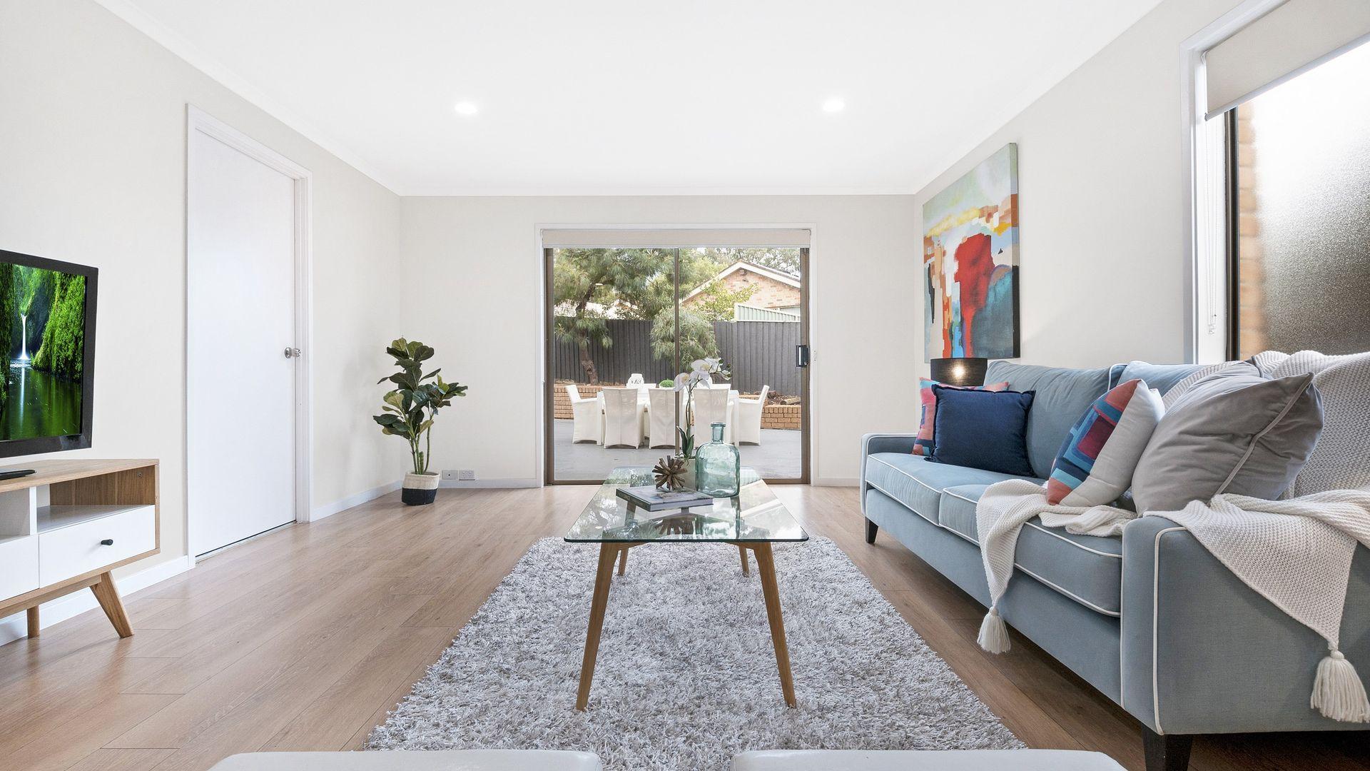 8 Gwynellen Place, Cherrybrook NSW 2126, Image 2