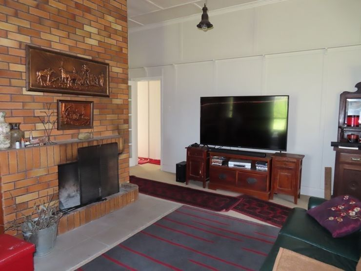 218 Taggart Road, The Summit QLD 4377, Image 2