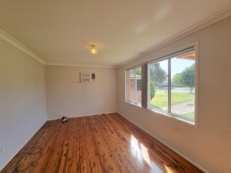 33 Elwood Avenue, Quakers Hill NSW 2763, Image 2