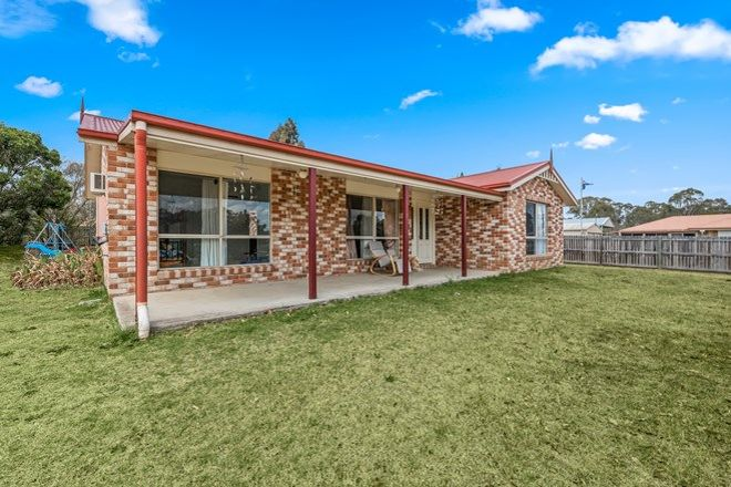 Picture of 8 Devoncourt Road, CROWS NEST QLD 4355