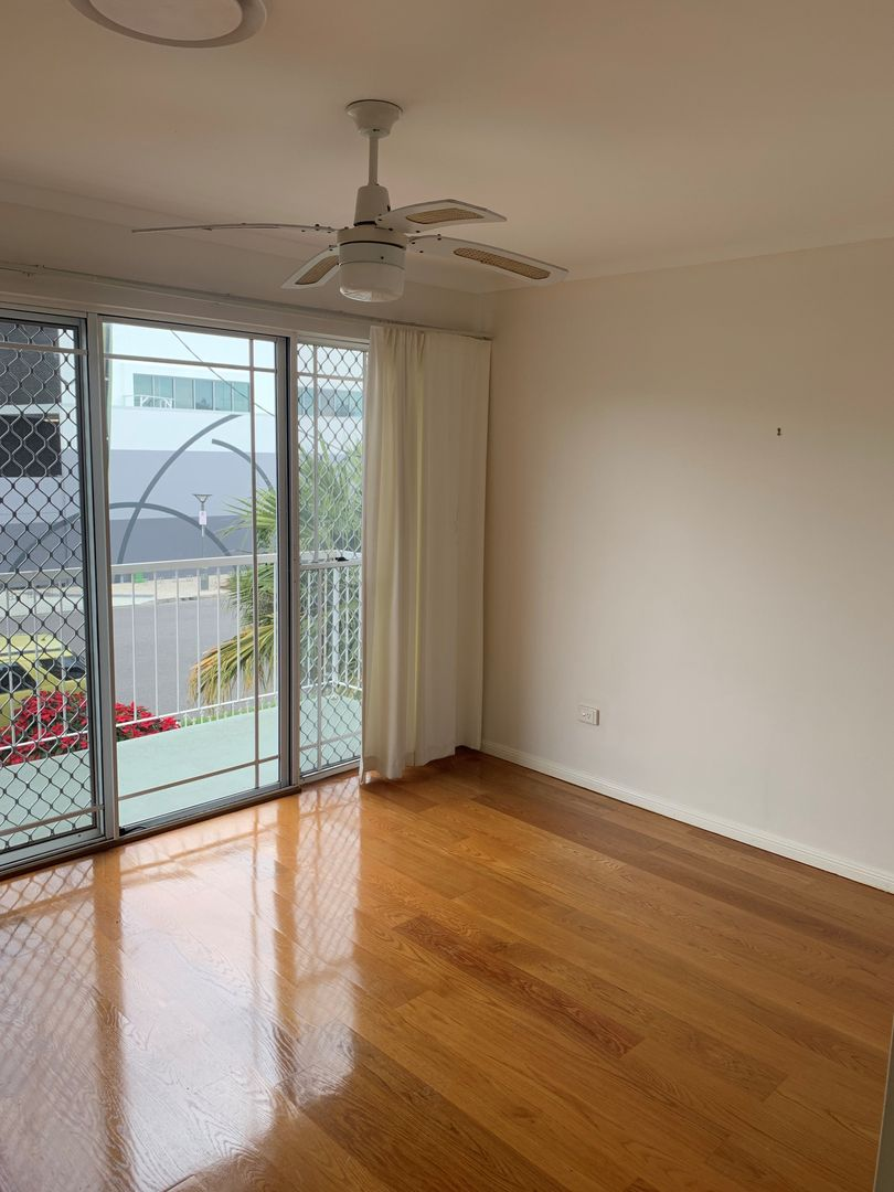 3/95 Charlotte Street, Wynnum QLD 4178, Image 2