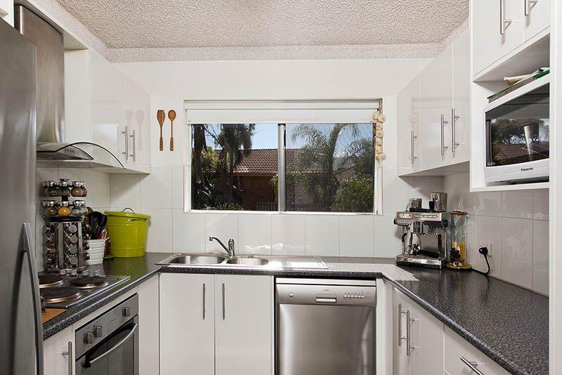 2/50A Thalassa Avenue, Corrimal East NSW 2518, Image 1