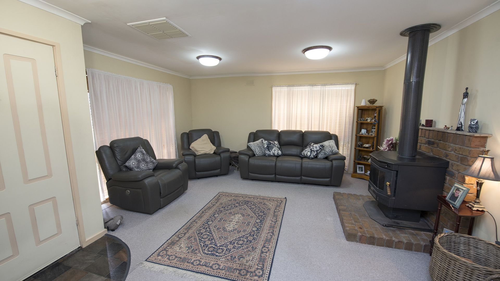 26 Domaille Crescent, Swan Hill VIC 3585, Image 2
