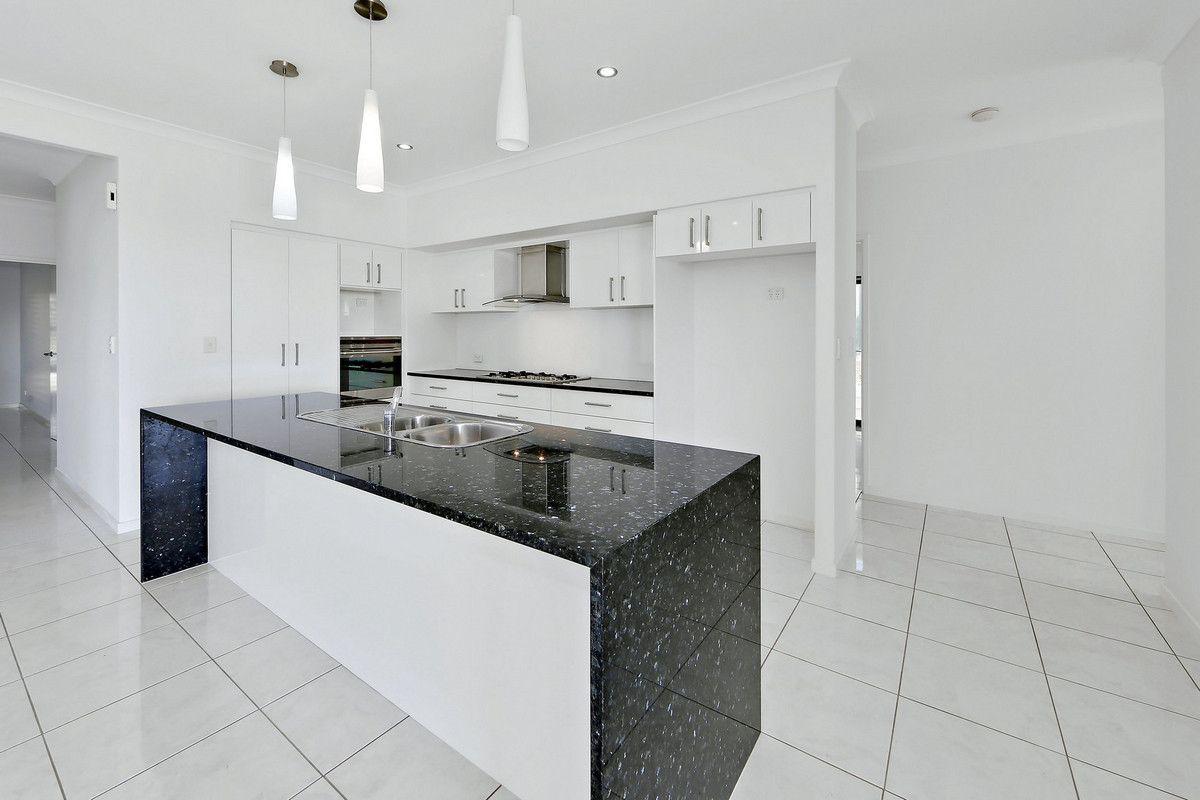 4 Connock Street, Urangan QLD 4655, Image 0