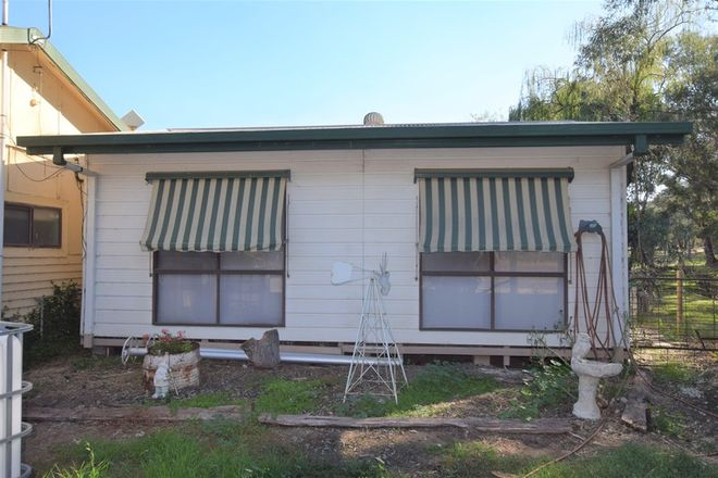 Picture of 235 Racecourse Road, CHILTERN VIC 3683
