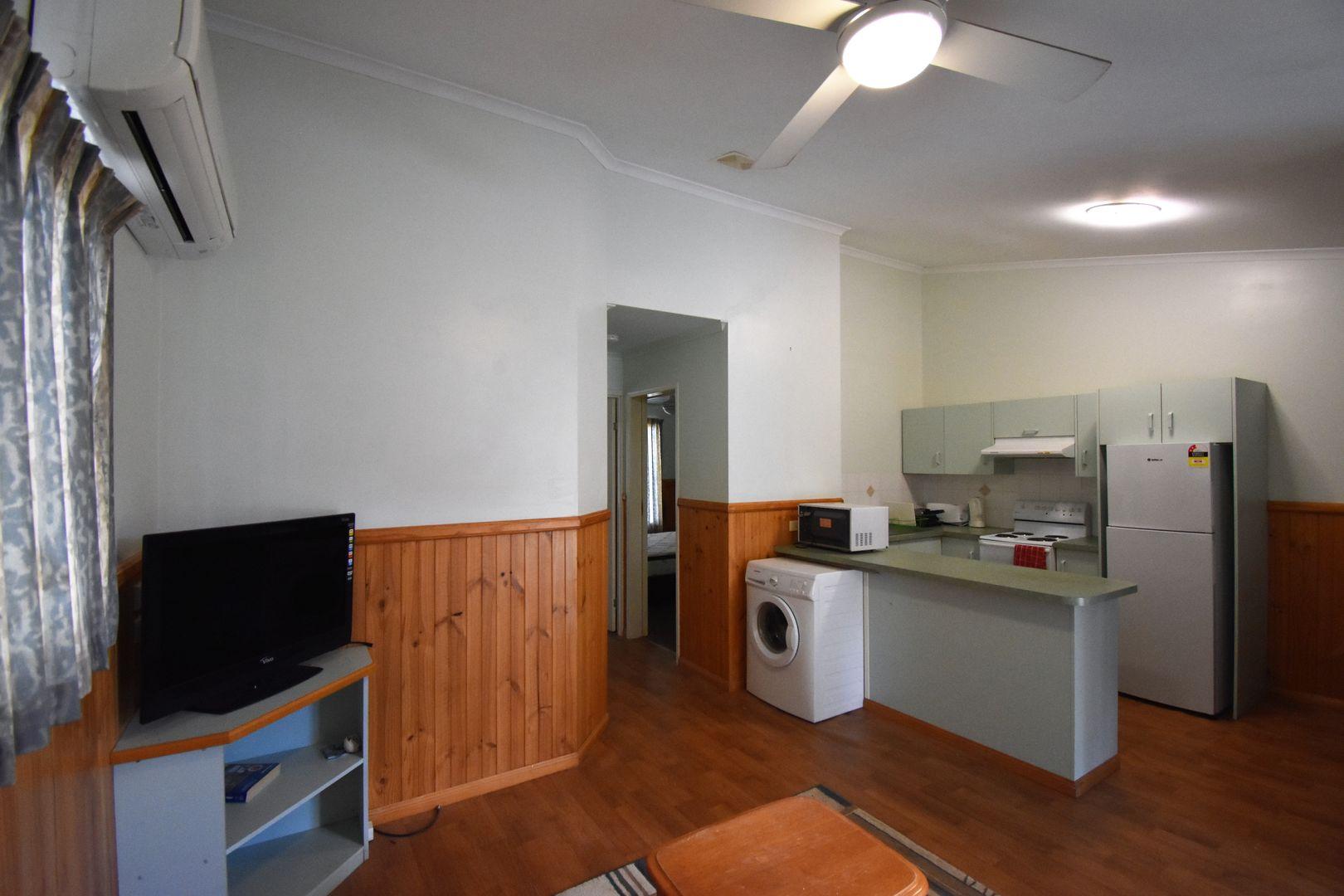 2/46 Box Street, Barcaldine QLD 4725, Image 1