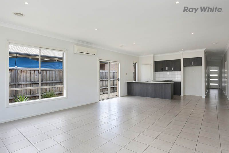 29 Rivulet Drive, Point Cook VIC 3030, Image 2
