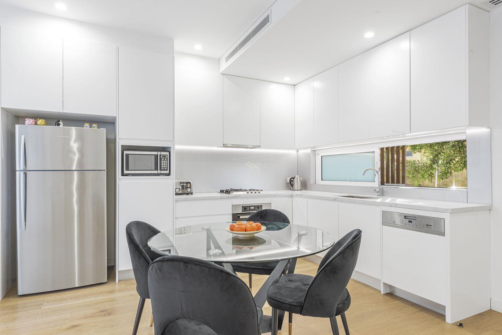 2/1B Owen Street, North Bondi NSW 2026, Image 2
